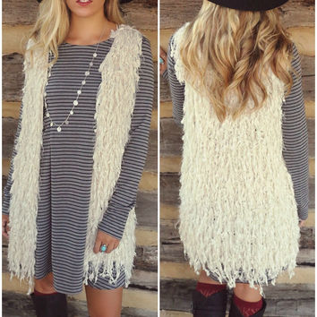 Warm Welcome Shaggy Cream Vest With Hook & Eye Closure