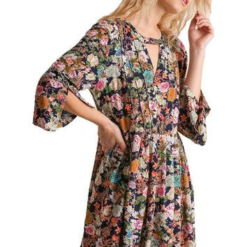 Floral Angel-Sleeve Babydoll Dress with Front and Back Keyholes, Navy Mix