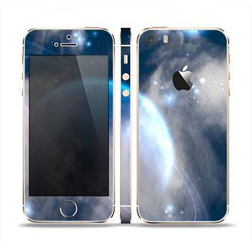 The Vivid Lighted Halo Planet Skin Set for the Apple iPhone 5s