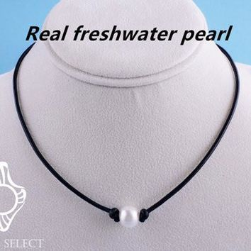 [13155] Single AA Quality Freshwater Cultured Pearl Bead on Leather Cord Handmade Choker Necklace