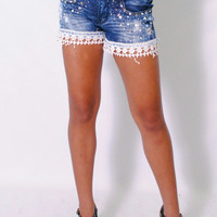 (amh) Crochet trimming medium wash denim shorts