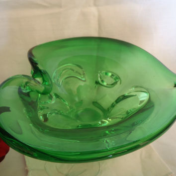Mid Century Murano Glass , Heartshape Bowl , Blown Art Glass , Sparkling Green
