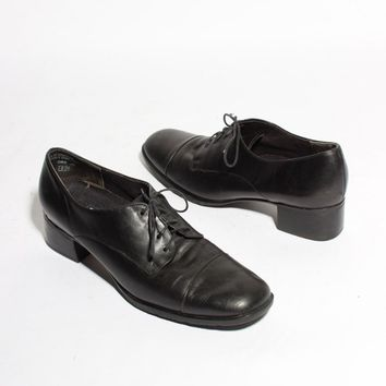 Captoe Oxford Lace Ups / Size 7 and a half