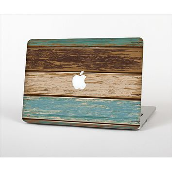 The Wooden Planks with Chipped Green and Brown Paint Skin Set for the Apple MacBook Pro 15""