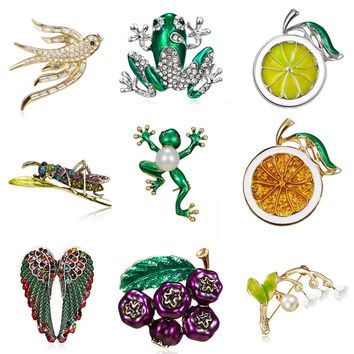 Cute Green Enamel Fruit Orchid Dragonfly Frog Brooches for Women Men Punk Party hijab Bag Accessory Imitation Pearl Brooch Pins