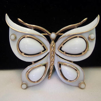 Crown TRIFARI Butterfly Insect White enamel Brooch Pin Vintage Cabochon Gold Plate