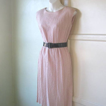 1960s White & Pink Wiggle Dress - Small, Form-Fitting Pink Seersucker/Cotton Vintage Dress - Vintage Pink Summer Day Dress