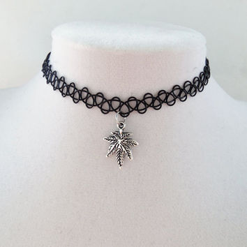 Pot leaf charm choker, tattoo choker, 420, cannabis, weed, marijuana, leaf, hemp, rasta, mary jane, reefer, smoke, grass, pot, charm choker