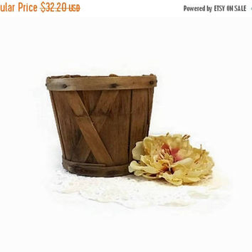 ON SALE - Small Primitive Farm Basket, Vintage Wood Slat Berry or Egg Gathering Basket, Rustic Kitchen Decor, Small Storage