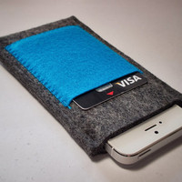 iPhone 5 Sleeve / iPhone 4S Sleeve / iPod Touch by MadebyMustDash