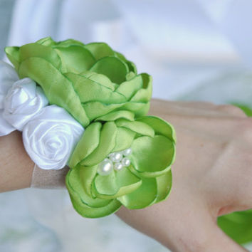 Bridal flower wrist corsage, bridal wrist corsage, flower cuff bracelet, wedding fabric corsage, Bridesmaid cuff bracelet