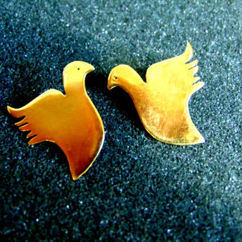 Beautiful 18k gold bird earrings-Women's gold 750 screw back earrings-Gold dove earrings-Artisan jewelry-Greek art