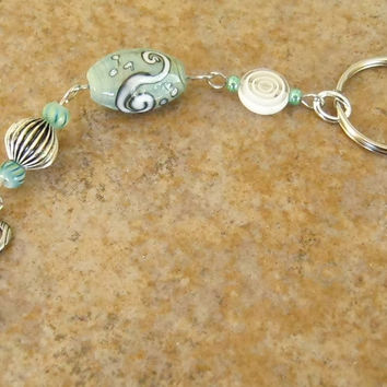 Wire Bead Keychain, Green White Silver Glass Beaded Keyring, Ladies Accessories Handmade, Silver Key Charm, Gifts for Her, Irish Colors