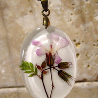 Herb Robert Pressed Flower Necklace, plant jewelry, flower jewellery, wild geranium, glass pendant