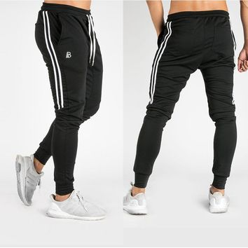 2018 Run Jogging Pants Men Black Joggers Gym Training Running Pants Men Striped Sportswear Sweatpants Track pants Sport Trousers