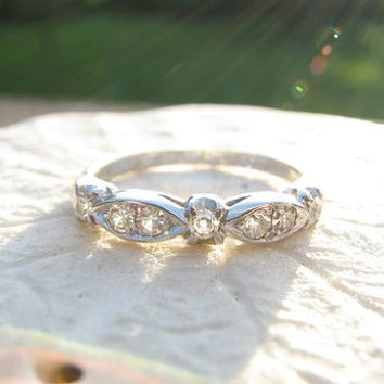 Platinum Diamond Wedding Band, Old Cut Diamonds, Lovely Style and Quality, Hand Engraved, Circa 1940s