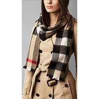Women's Burberry Natural Exploded Check Cashmere Scarf F