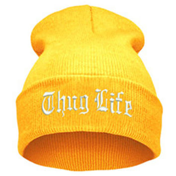 THUG LIFE Letter Embroidered Unisex Beanie Fashion 2pac Hip Hop Mens & Womens Knitted Yellow & White Tupac Cuffed Skully Hat