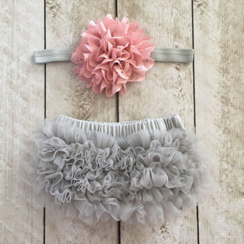 Baby Girl Ruffle Bottom Bloomer & Headband Set in Gray and Mauve - Newborn Photo Set - Infant Bloomers - Diaper Cover - Baby Gift