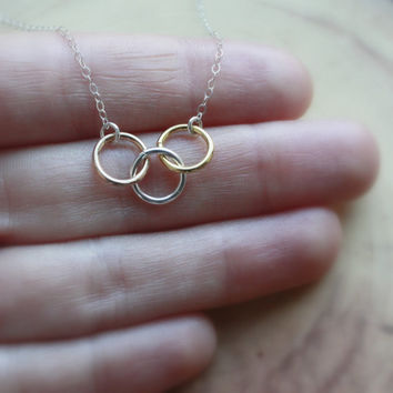 Circle Links Necklace - Mixed Metals Jewelry . Rose Gold, Gold, Silver Karma Circles . 3 Wishes . Three Wishes . Three Toned Jewelry
