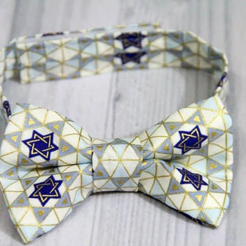 Star of David Hanukkah Boys Bow Tie. Great for Weddings, Holidays, parties, Photo Session prop