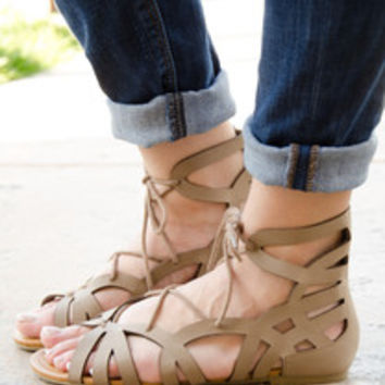 Gladiator Lace Up Flat Sandal In Taupe – Chica's Shoetique