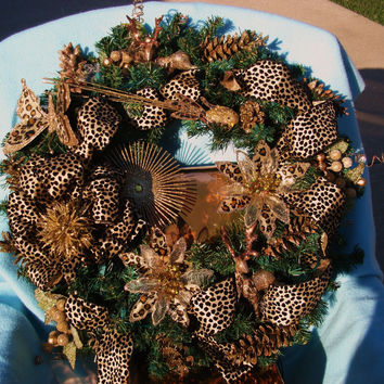 Lighted Leopard Wreath