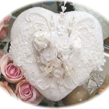 Beaded Heart Box - Ivory