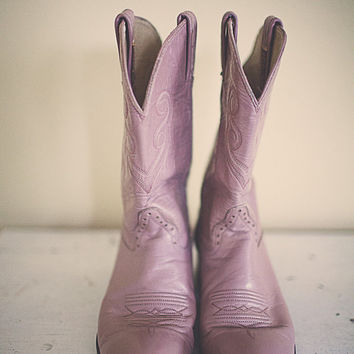 Vintage Cowboy Boots Hondo  Distressed Pink Mauve Dusty Rose  with Embroidery Heavy Leather Boots Women's Size 7.5B  Boho Bohemian Western
