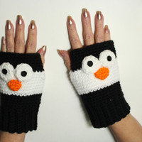Penguin fingerless gloves, Animal fingerless mittens, winter handwarmers, crochet winter mitts, animal gloves