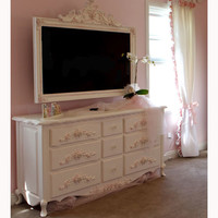 Petite Paris Nine-Drawer Dresser