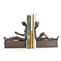 DanyaB Man and Woman Reading Metal Book Ends (Set of 2)
