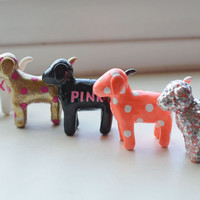 Extra mini vs pink dogs