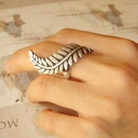 Roman Empire Caesar Leaf Ring Size 7