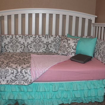 Damask 5 piece Crib Bedding Set