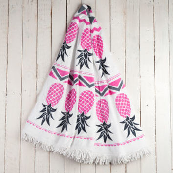 Pina Round Patterned Towel