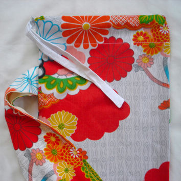 Yoga mat bag // Japanese inspired floral print cotton // Eco friendly yoga mat carrier // Fits standard sized mat // Spring yoga tote