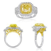 Blount Jewels 5.25 Ct Fancy Yellow Three Stone Diamond Ring (ydrad 3.27ct, Trap 0.47ct, Drd 0.72ct, Rd 0.79ct)