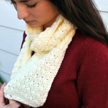 Off-white scarf, hand-crocheted. Great as a Christmas gift!