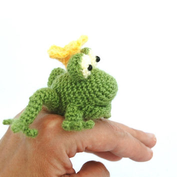 crochet frog, miniature frog king, kiss the frog, funny animal gift, little green frog, amigurumi tiny animal, lime green, mini stuffed doll