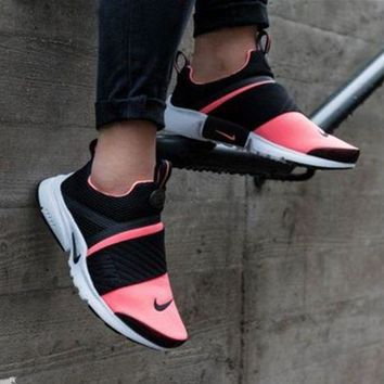 """NIKE"" Women Fashion Trending Black/White Leisure Running Sports Shoes"