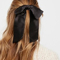 Social Butterfly Silky Bow