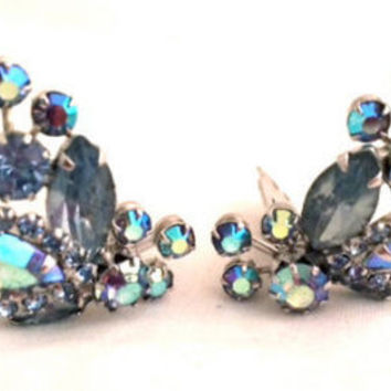 Weiss Vintage Jewelry Blue Crystal Clip on Earrings