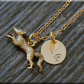 Gold Sly Fox Charm Necklace, Initial Charm Necklace, Personalized, Fox Pendant, Wild Life Jewelry, Monogram Forest Animal Necklace