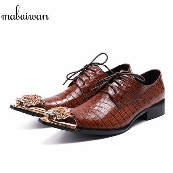 Mabaiwan 2018 New Fashion Men Shoes  Leather Metal Pointed Toe Winter Wedding Shoes For Men Lace Up Flats Men Oxford Dress Shoes