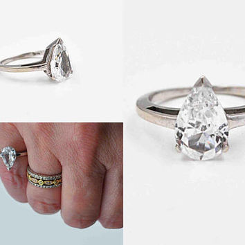 Vintage 14K White Gold & Clear Quartz Ring, Pear Cut, Solitaire, Faceted, Size 4 3/4, 2.6 Grams, Promise Ring, Gorgeous! #c309
