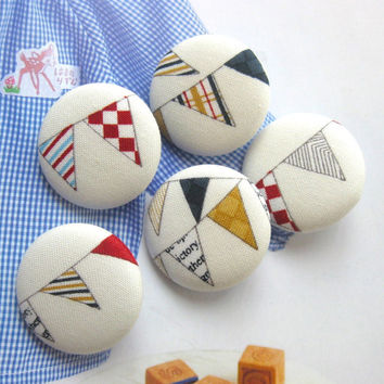 Fabric Buttons, Fridge Magnets, Circus Magnets, Circus Buttons, Bunting Buttons, Large Buttons, Flat Backs, White Buttons, 1.25 Inches 5's