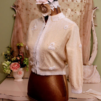 S M  1950s Beaded sweater - Cream Vintage Sweater - White Floral Beaded Cardigan - Retro Cardigans - Vintage Tropicana Sweater - Size Small