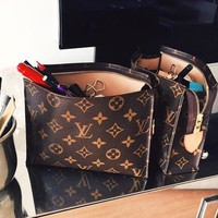 LV Louis Vuitton Women Men Makeup Bags Business Bag Classic Leisure Clutch Bag Handbag
