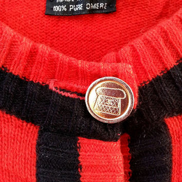 Rare Vintage Les Montres CHANEL Cashmere Made in Scotland Gold Colour Button Sweater Sweatshirt